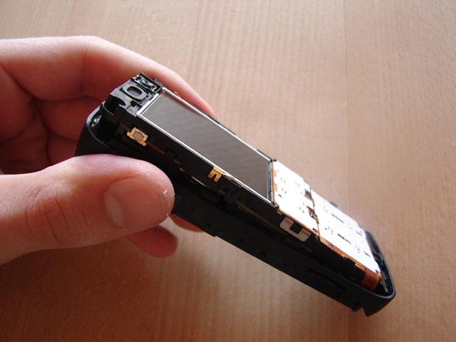 Remove k610i electronics